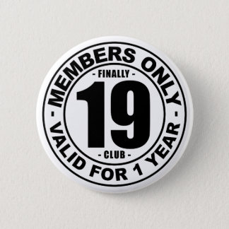 Finally 19 club 6 cm round badge