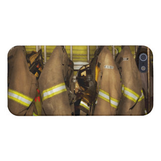 Firefighter - Bunker Gear iPhone 5/5S Cover