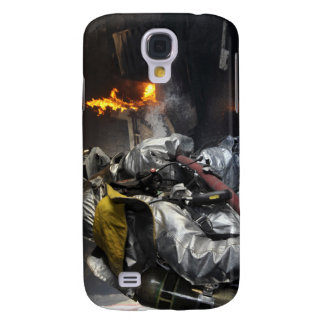 Firefighters extinguish a fire in a training ro samsung galaxy s4 cover