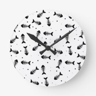 Fish bones pattern round clock