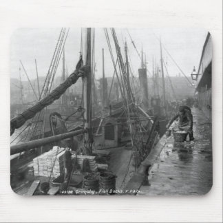 Fish docks, Grimsby, early 20th century Mouse Pad