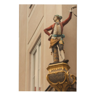 Flamboyant Building Statue Wood Print