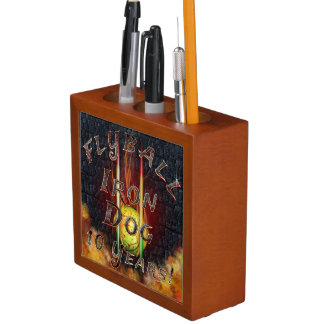 Flamz Flyball Iron Dog - 10 years of competition! Desk Organiser