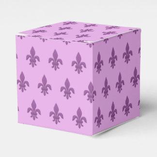 Fleur de Lis in Violet Purple on Lavender Favour Box