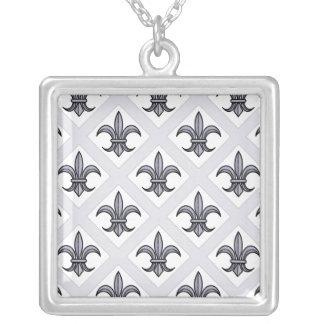 Fleur-de-Lis Necklace bold pattern - silver