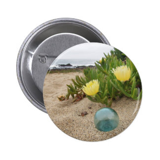 Float with yellow ice plant pinback button
