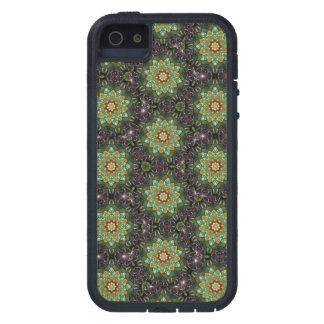 Floral Fractal Abstract Pattern in Black and Green Case For iPhone 5