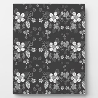 Floral pattern display plaque