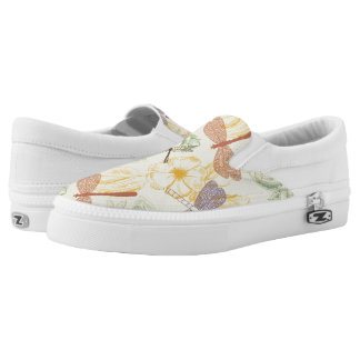 Floral pattern in vintage style dragonfly foliage Slip-On shoes