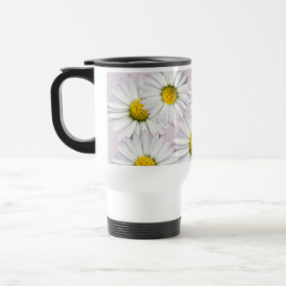 Floral pattern of white and yellow daisies travel mug