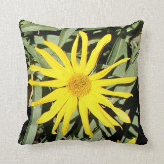 """Flores en mi hierbas """" flowers in my weeds """" cushion"""