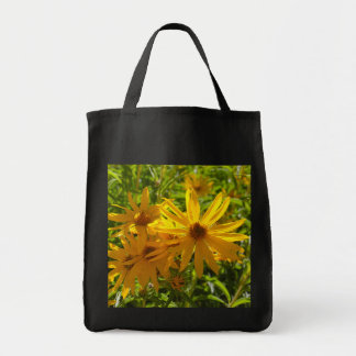 "Flores en mi hierbas "" flowers in my weeds "" tote bag"
