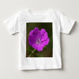 Flower of a bloody geranium baby T-Shirt