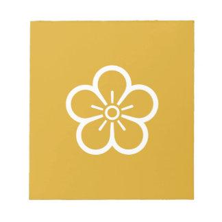 Flower of medium shade plum notepad