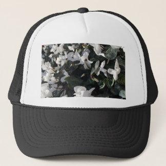 Flowers and unicorns trucker hat