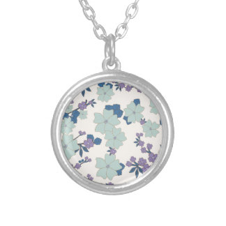 flowers in shape of clovers round pendant necklace