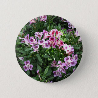 flowers in the garden 6 cm round badge