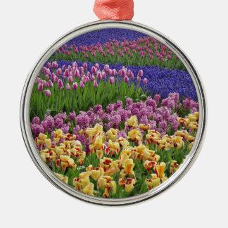 Flowers of love metal ornament