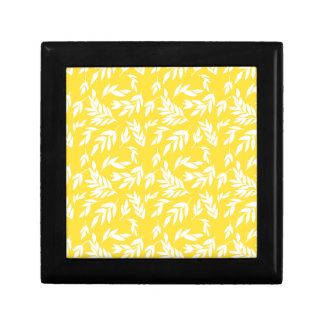 Flowers on honey yellow small square gift box