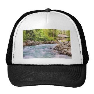 Flowing creek cap