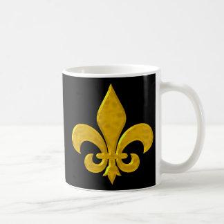 Fluer De Lis Hammered Gold Basic White Mug