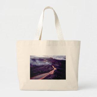 Fluid heat large tote bag