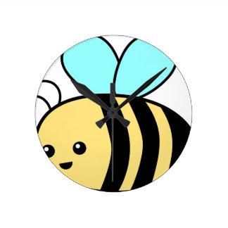 Flying Bee Round Clock