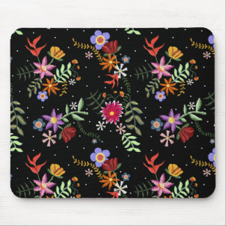 Folk embroidering mouse pad