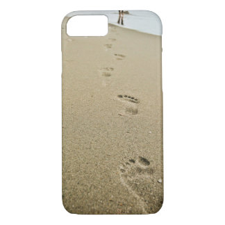 Footprints in the Sand iPhone 7 Case