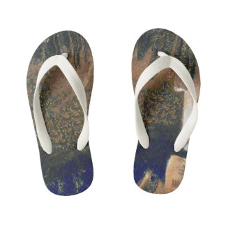 Forest floating on water reservoir kid's thongs