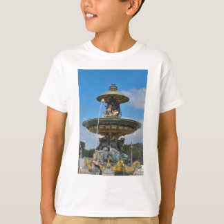 Fountain at Place de Concorde in Paris, France T-Shirt