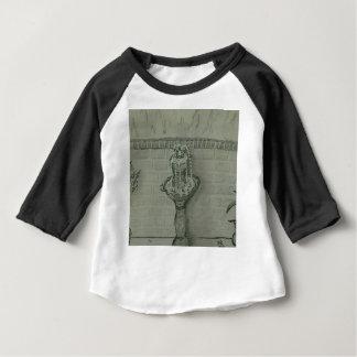 fountain baby T-Shirt