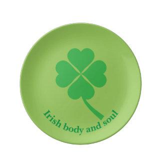 Four-leaf clover plate