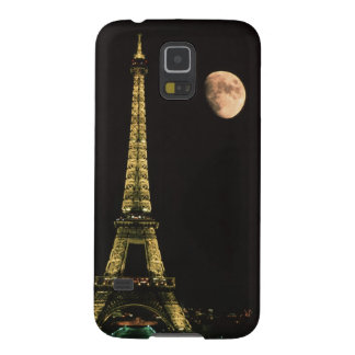 France, Paris. Eiffel Tower at night with Galaxy S5 Cover
