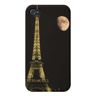 France, Paris. Eiffel Tower at night with iPhone 4 Covers