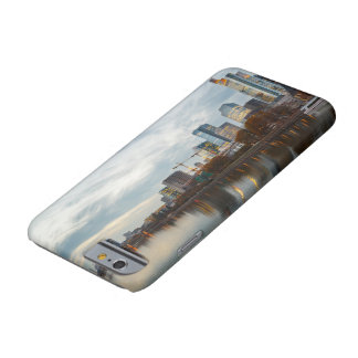Frankfurt am Main skyline Barely There iPhone 6 Case