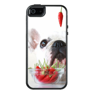 French Bulldog Looking At A Red Pepper OtterBox iPhone 5/5s/SE Case
