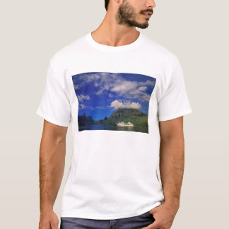 French Polynesia, Moorea. Cooks Bay. Cruise ship 3 T-Shirt