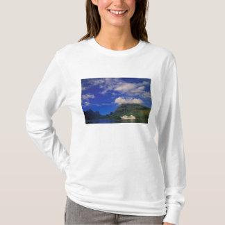 French Polynesia, Moorea. Cooks Bay. Cruise ship 3 T-Shirt
