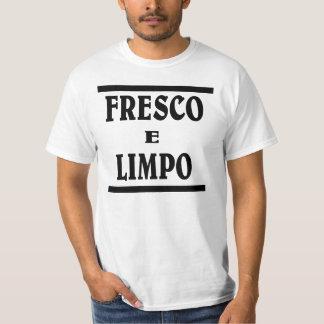 Fresh n Clean in Portuguese . FRESCO E LIMPO T-Shirt