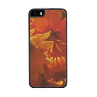 Fresh Picked Flowers Wood iPhone SE/5/5s Case