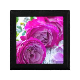 fresh roses gift box