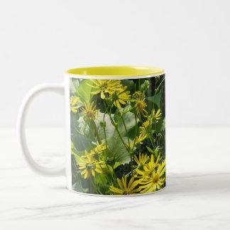 Fresh yellow daisies mugs