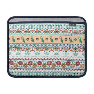 Frida Kahlo | Patrón de Colores Sleeve For MacBook Air