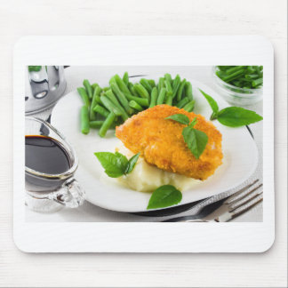 Fried breaded chicken, green beans and mash mouse pad