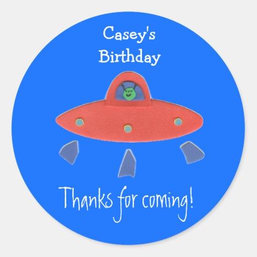 Friendly alien birthday favor label sticker