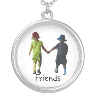 friends round pendant necklace