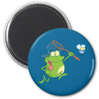 Frog Chasing Fly With Net 6 Cm Round Magnet