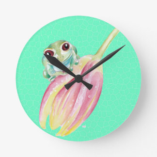Froggy green round clock