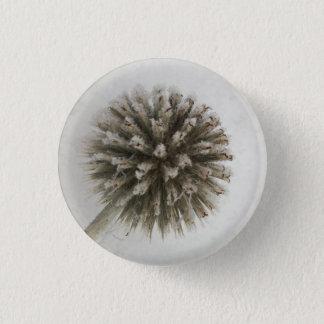 Frost flower ball thorn winter 3 cm round badge